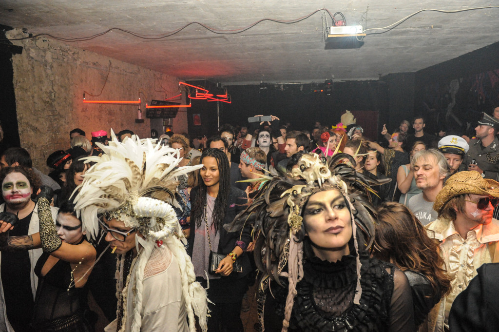 party 2014 01