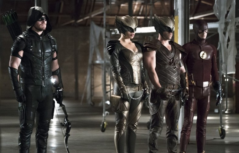 Image-Of-The-Flash-Arrow-with-Hawkman-and-Hawkgirl-in-chains